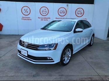 Volkswagen Jetta 4p Sportline L5/2.5 Aut usado (2018) color Blanco precio $287,500