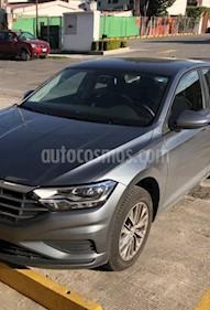 Volkswagen Jetta Comfortline usado (2019) color Gris Platino precio $238,000