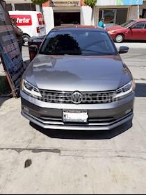 Volkswagen Jetta Comfortline Tiptronic usado (2016) color Gris Platino precio $210,000