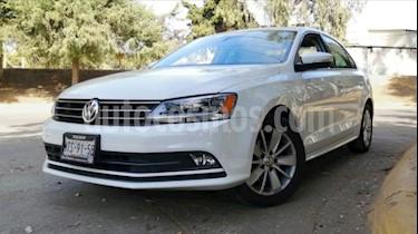 Volkswagen Jetta 4P COMFORTLINE TM5 QC F. NIEBLA RA-16 usado (2015) color Blanco precio $188,000