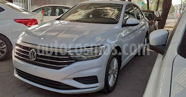 Volkswagen Jetta 4p Comfortline L4/1.4/T Aut usado (2019) color Plata precio $244,900