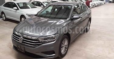 Volkswagen Jetta 4p Comfortline L4/1.4/T Aut usado (2019) color Gris precio $254,900