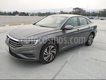 Volkswagen Jetta Highline Tiptronic usado (2019) color Gris Platino precio $360,000