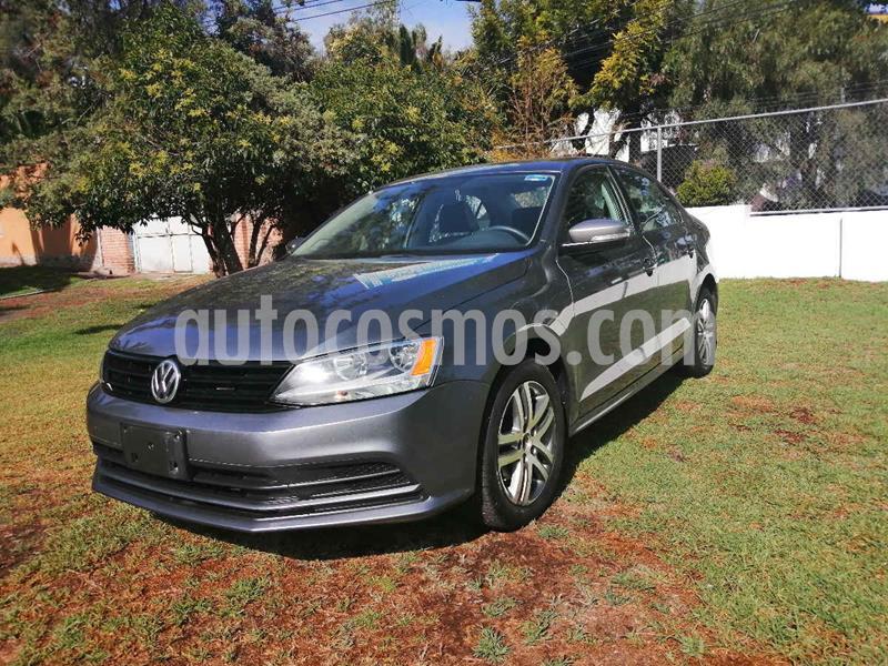 Volkswagen Jetta Live Tiptronic usado (2017) color Gris precio $185,000