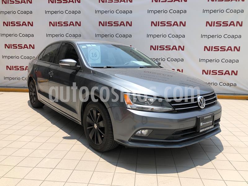 Volkswagen Jetta Comfortline 2.0 Aut usado (2016) color Gris Plata  precio $205,000