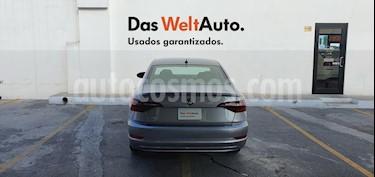 Volkswagen Jetta Trendline usado (2019) color Plata precio $305,000