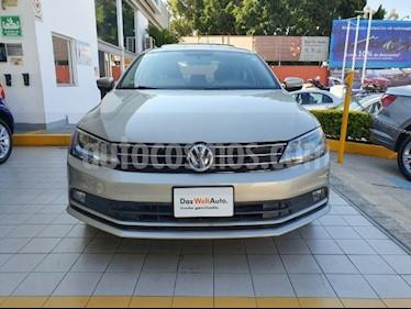 Volkswagen Jetta Comfortline usado (2015) color Plata Lunar precio $194,900
