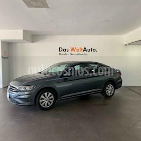 Volkswagen Jetta 4p Trendline L4/1.4/T Aut usado (2019) color Gris precio $276,000