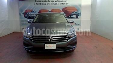 Volkswagen Jetta Comfortline usado (2019) color Gris Platino precio $292,000