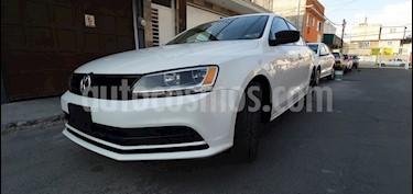 Volkswagen Jetta 2.0 usado (2018) color Blanco precio $226,000