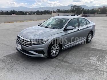 Volkswagen Jetta Trendline Tiptronic usado (2019) color Gris Platino precio $300,000