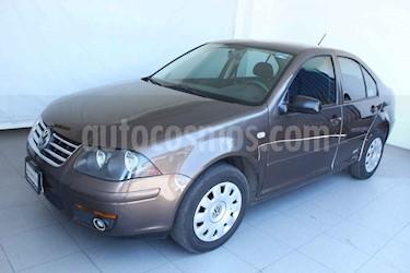 Volkswagen Jetta 4p CL L4/2.0 Man usado (2014) color Marron precio $129,000
