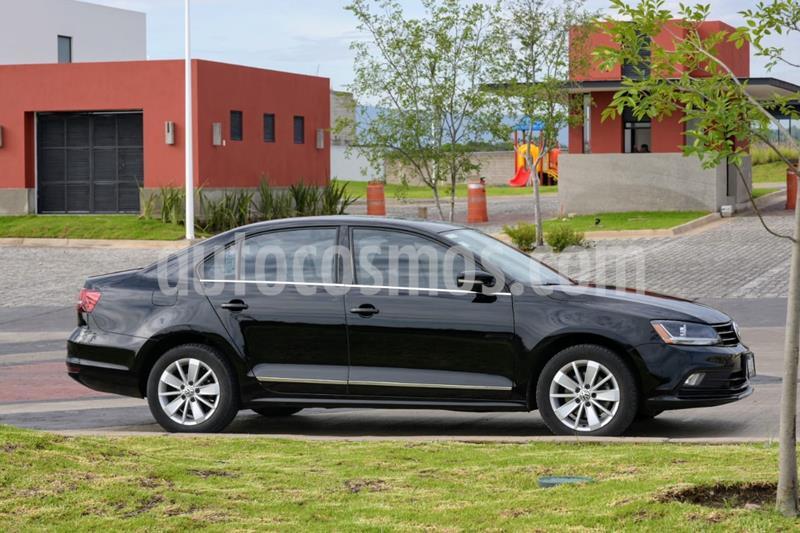 Volkswagen Jetta Comfortline usado (2017) color Negro Onix precio $215,000