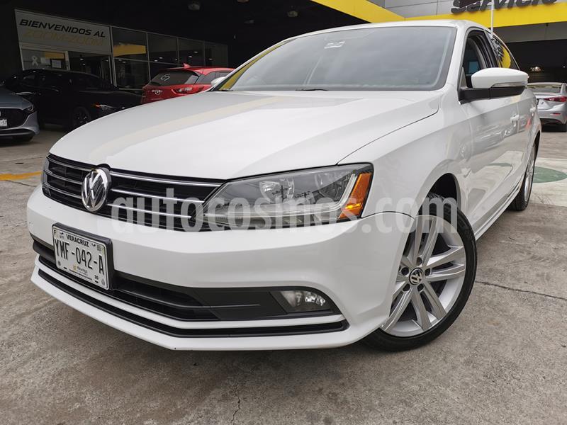 Volkswagen Jetta Sportline usado (2017) color Blanco precio $250,000