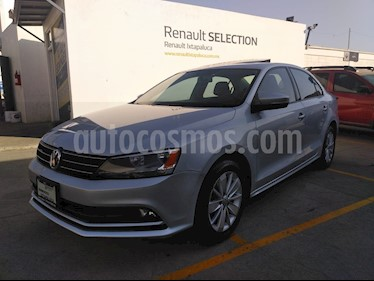 Volkswagen Jetta 2.0 Tiptronic usado (2016) color Plata precio $220,000