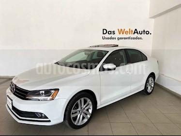 Volkswagen Jetta 4p Sportline L5/2.5 Aut usado (2018) color Blanco precio $279,006