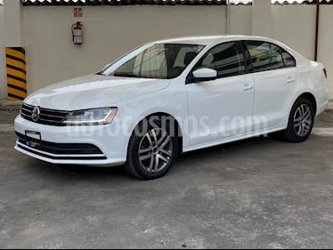 Volkswagen Jetta 4p Comfortline L5/2.5 Aut usado (2018) color Blanco precio $179,900