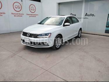 Volkswagen Jetta 4p Comfortline L5/2.5 Aut usado (2018) color Blanco precio $275,000