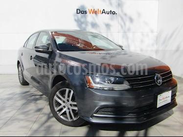 Volkswagen Jetta Trendline usado (2017) color Gris Platino precio $198,000
