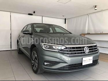 Volkswagen Jetta 4p Highline L4/1.4/T Aut usado (2019) color Gris precio $375,000