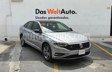 Volkswagen Jetta R-Line usado (2019) color Plata precio $380,000