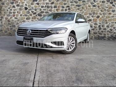 Volkswagen Jetta Comfortline usado (2019) color Blanco precio $320,000