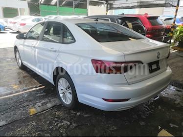 Volkswagen Jetta Comfortline 2.0 Aut usado (2019) color Blanco precio $280,000