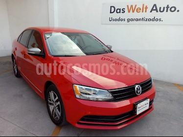 Foto Volkswagen Jetta Live Tiptronic usado (2016) color Rojo Tornado precio $185,000