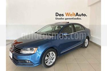 Volkswagen Jetta 4p Comfortline L5/2.5 Aut usado (2018) color Azul precio $246,602