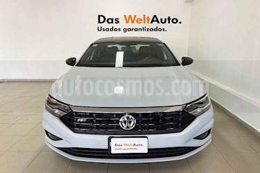 Volkswagen Jetta 4p R-Line L4/1.4/T Aut usado (2019) color Blanco precio $349,053