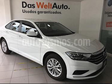 Foto Volkswagen Jetta Comfortline Tiptronic usado (2019) color Blanco precio $320,000