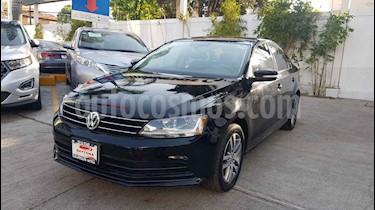 Volkswagen Jetta 4p Trendline L5/2.5 Aut usado (2017) color Negro precio $218,000