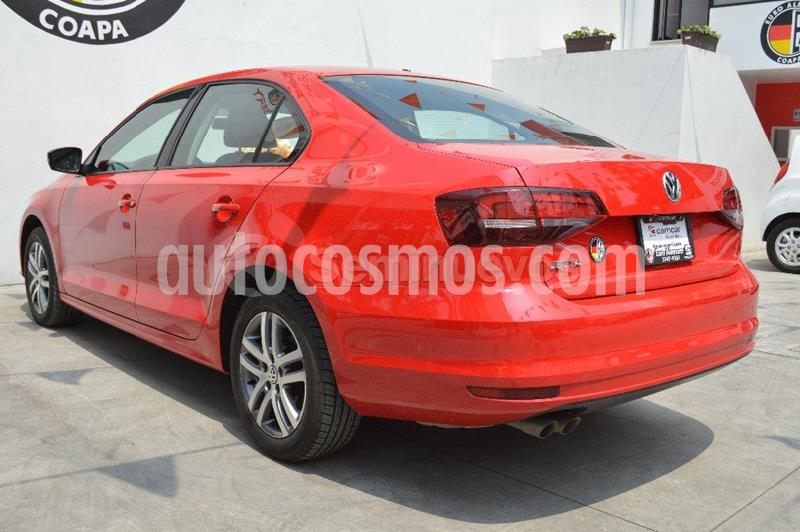 Volkswagen Jetta Trendline Tiptronic usado (2018) color Rojo precio $235,000