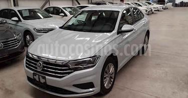 Volkswagen Jetta 4p Comfortline L4/1.4/T Aut usado (2019) color Blanco precio $254,900
