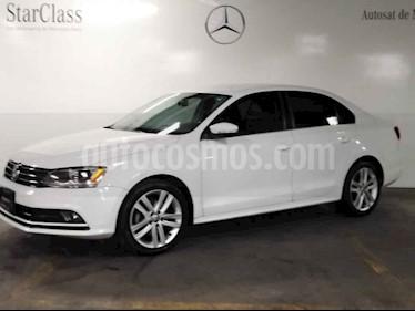 Volkswagen Jetta 4p Sportline L5/2.5 Aut B/A/C usado (2015) color Blanco precio $209,000