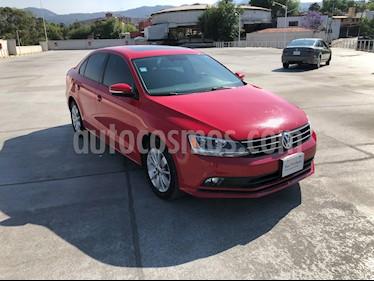 Volkswagen Jetta Comfortline usado (2016) color Rojo Tornado precio $195,001