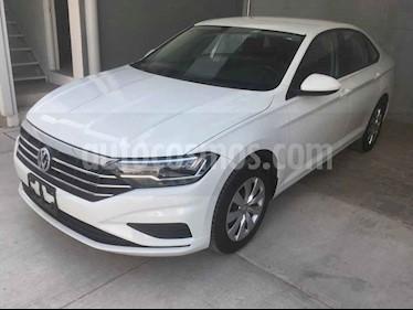 Volkswagen Jetta 4p Trendline L4/1.4/T Aut usado (2019) color Blanco precio $305,000