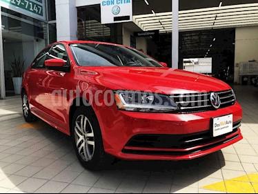 Volkswagen Jetta 4p Trendline L5/2.5 Man usado (2018) color Rojo precio $245,000