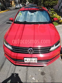 Volkswagen Jetta Comfortline usado (2016) color Rojo Tornado precio $196,000