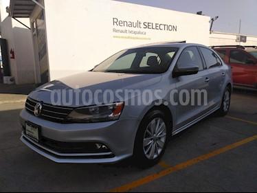 Volkswagen Jetta Comfortline 2.0 Aut usado (2016) color Plata precio $220,000