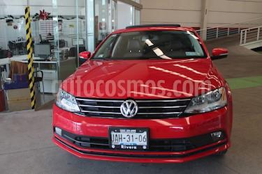 Volkswagen Jetta Comfortline usado (2016) color Rojo precio $249,000