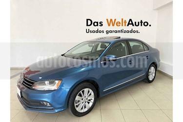 Volkswagen Jetta 4p Comfortline L5/2.5 Aut usado (2018) color Azul precio $246,045