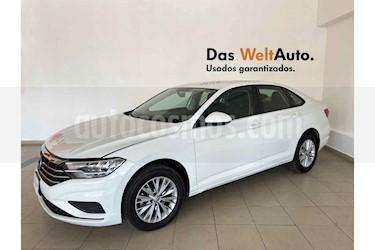 Volkswagen Jetta 4p Comfortline L4/1.4/T Man usado (2019) color Blanco precio $290,381