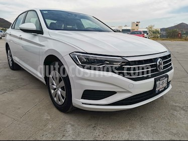 Volkswagen Jetta Trendline usado (2019) color Blanco precio $288,000