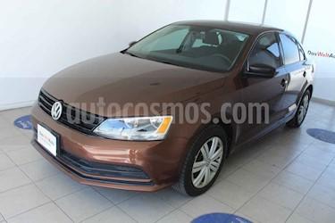 Volkswagen Jetta 2.0 usado (2016) color Cafe precio $180,000