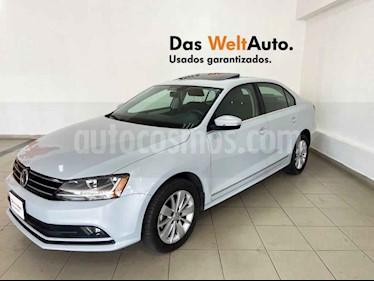 Volkswagen Jetta 4p Comfortline L5/2.5 Aut usado (2018) color Blanco precio $252,747