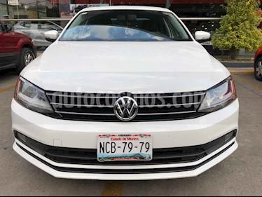 Volkswagen Jetta 4p Sportline L5/2.5 Aut usado (2018) color Blanco precio $250,990
