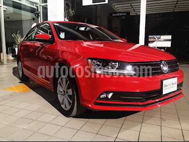 Volkswagen Jetta Comfortline Tiptronic usado (2018) color Rojo precio $255,000