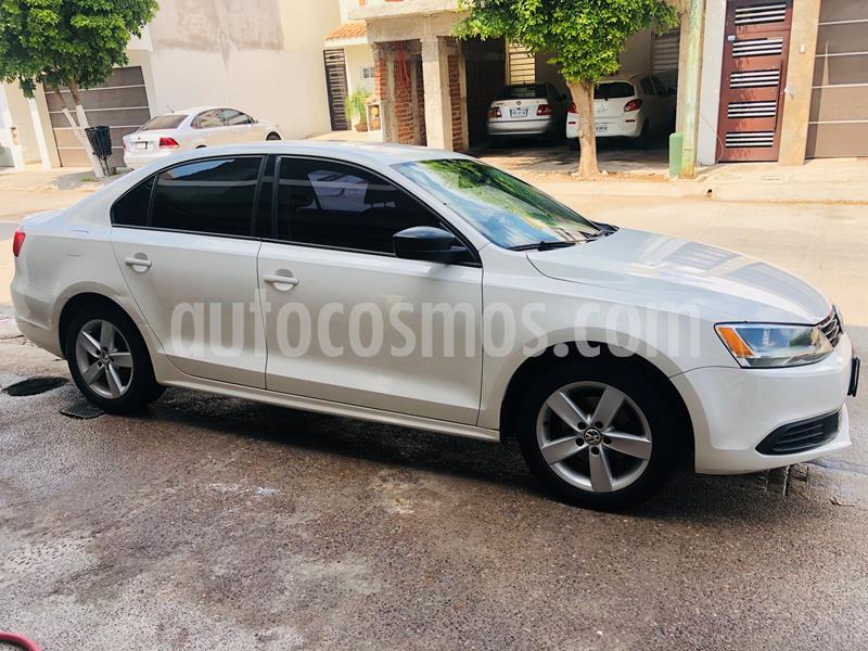 Volkswagen Jetta 2.0 usado (2014) color Blanco precio $140,000