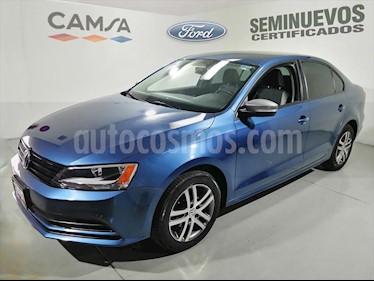Volkswagen Jetta Live Tiptronic usado (2016) color Azul Electrico precio $209,900